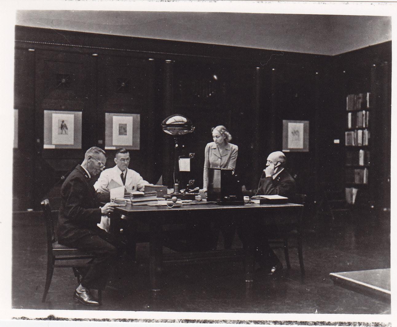 Bibliothek Weihnachten 1942, Bibliotheksmagazin, Weihnachten 1942 Hamburger Kunsthalle, Bibliothek