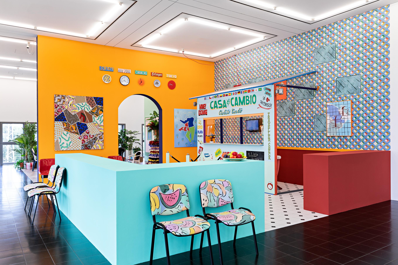 Installationsansicht Hamburger Kunsthalle, 2020 Sol Calero (*1982) Casa de Cambio, 2016 © Courtesy die Künstlerin, ChertLüdde, Berlin und Crèvecoeur, Paris Foto: Fred Dott