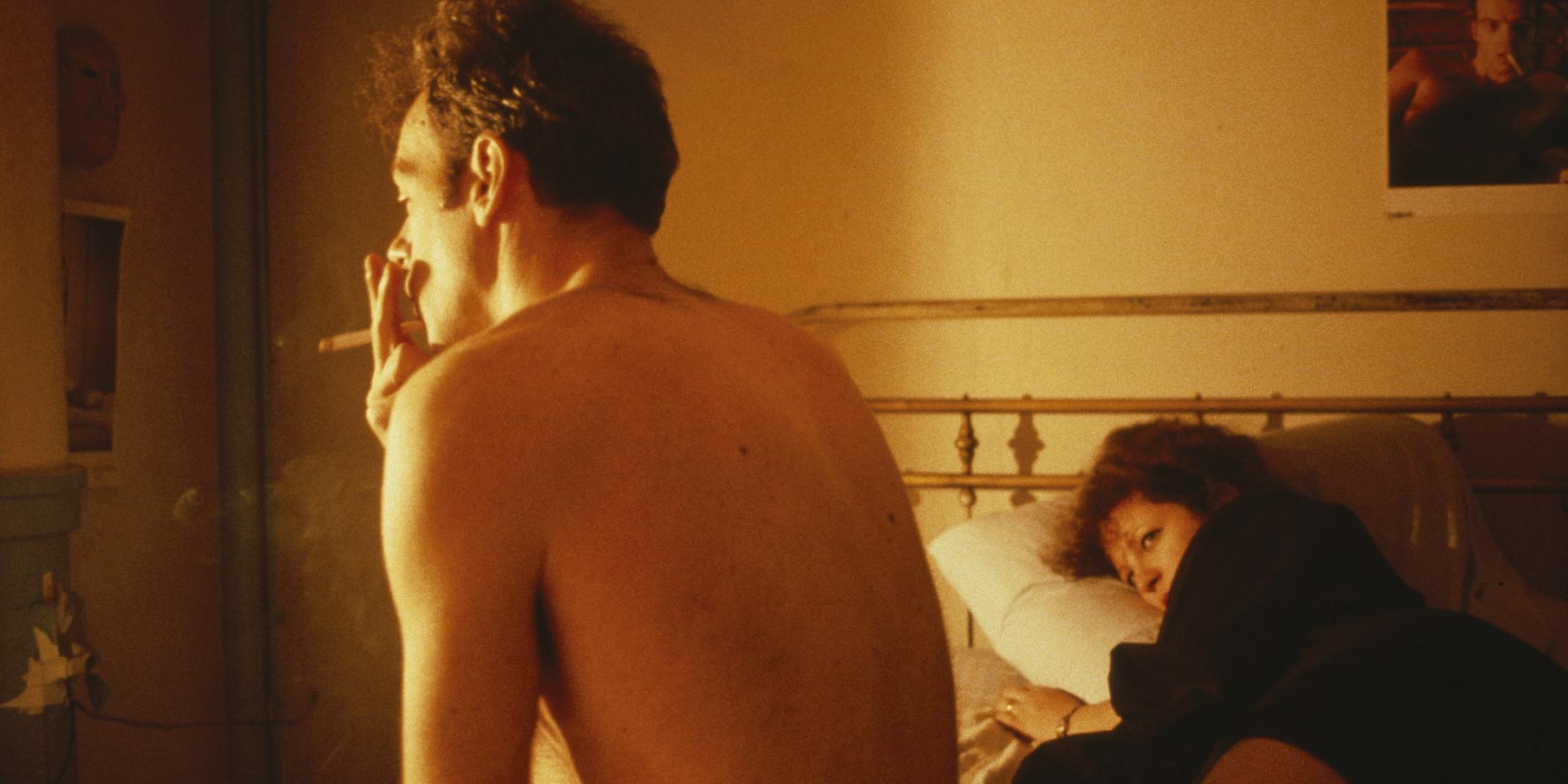 Nan Goldin (*1953), The Ballad of Sexual Dependency, 1992, 45 min, Projektionsinstallation mit 720 Kleinbilddias (9 Dia-Projektoren, 1 Steuergerät, 3 Programmboxen, 1 Programm/ Tonband), © Nan Goldin