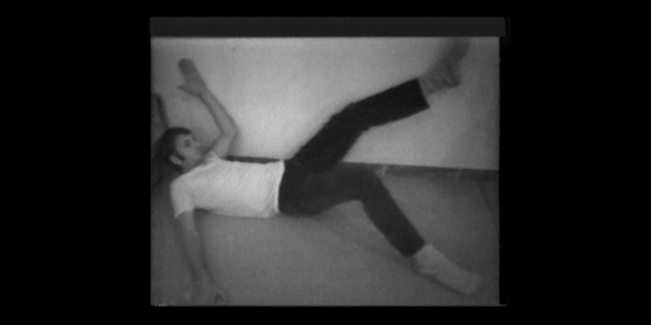 Bruce Nauman: V, 1998, Wall Floor Positions untenlinks